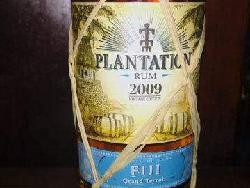 Der Grand Cru unter den Rums: Plantation - hier: Plantation Fiji 2009 - Angebot im LANGE Pub Wien, Juli 2019